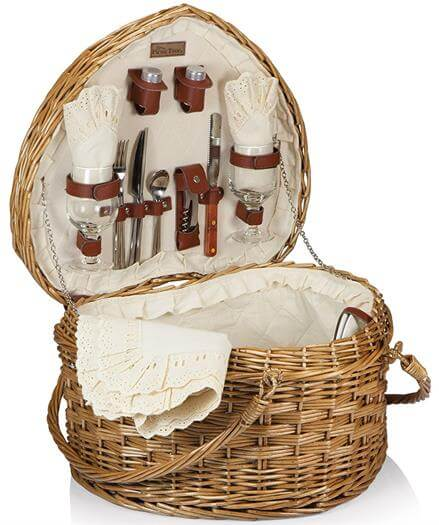 Deluxe Heart Willow Picnic Basket for Two